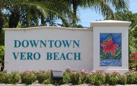 picture of city of vero beach downtown welcome sign